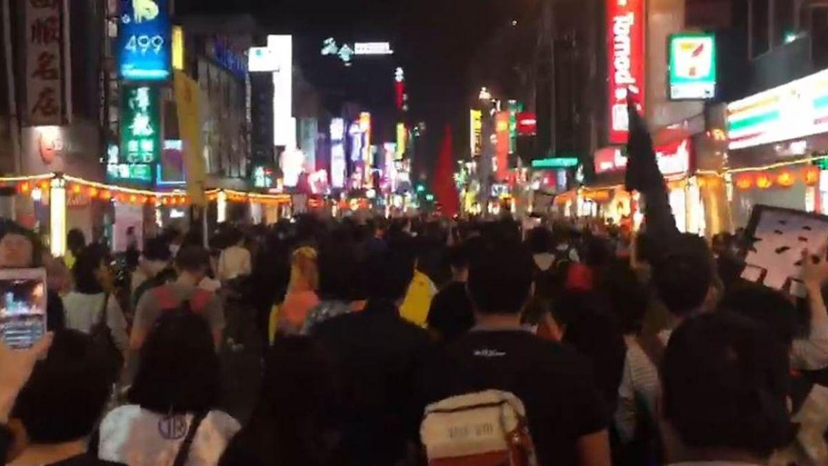 【不斷更新】反修勞基法!抗議民眾四處竄 癱瘓西門町交通
