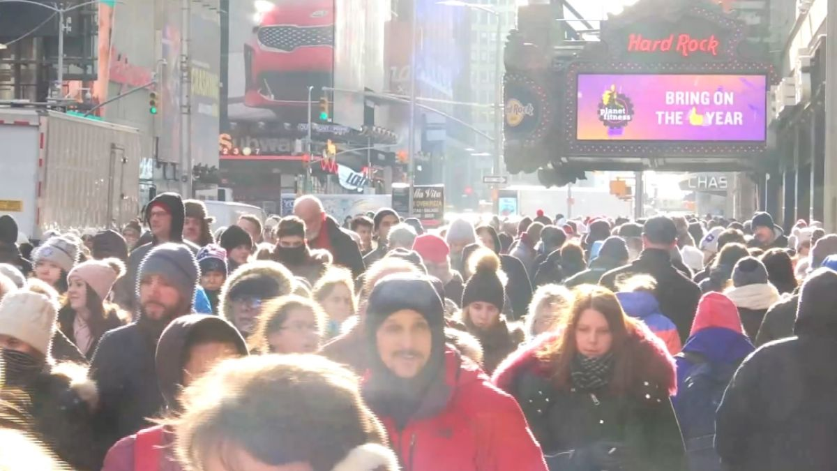 紐約酷寒擋不住遊客 時報廣場擠滿人