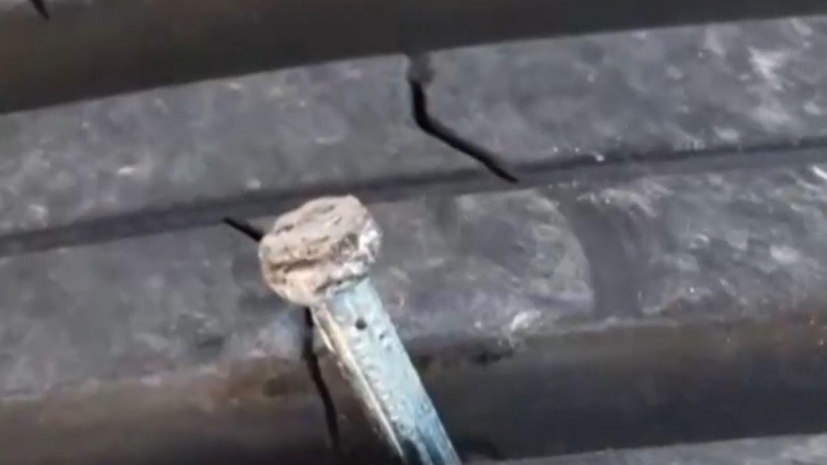 「車牌A開頭白車」老被踹凹!6車受損 警逮1人
