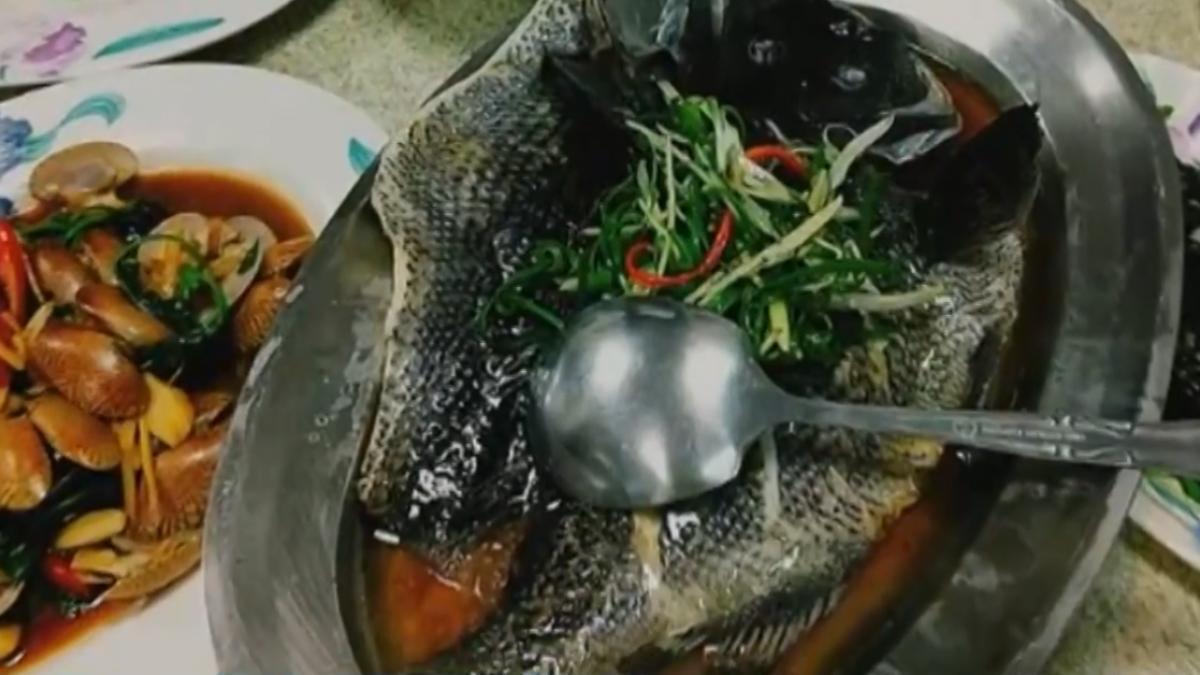 餐廳點「紅條」…上桌「整尾黑」 魚販:黑毛或鱸魚