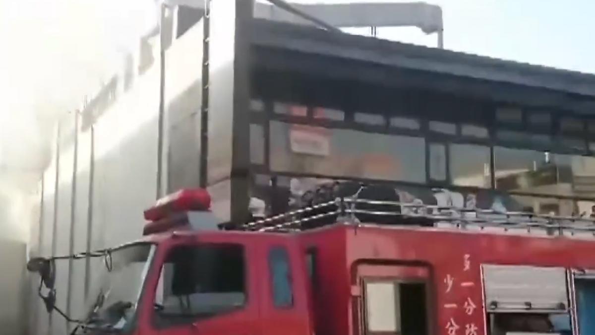 燒烤店6年燒4次 消防員:近3次皆積油引燃