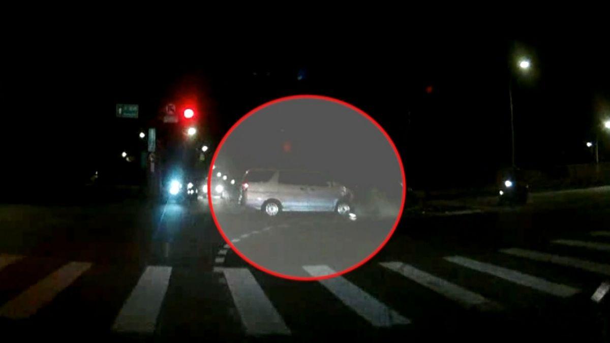 通緝犯與警街頭追逐 嫌十字路口撞車遭逮
