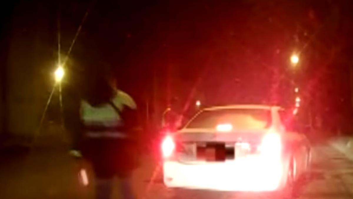 闖紅燈送斷指員工送醫 警幫開道7分鐘到院