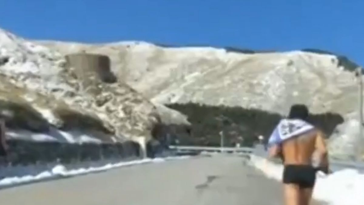 按讚破五千 屏東男孩合歡山裸跑1.4公里