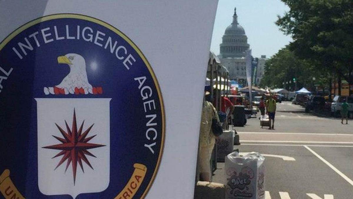 不爽美國政府...15歲鮮肉駭進CIA局長信箱 盜走2萬名FBI個資