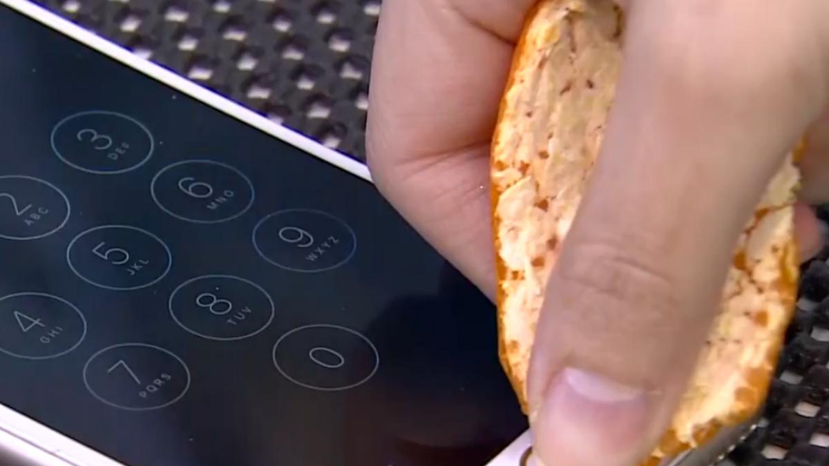 揭秘! 橘子皮破解手機指紋辨識? 專家:有可能