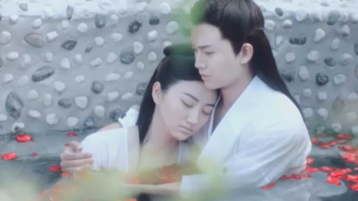 《大唐榮耀》劇情升溫 男女主角水中接吻