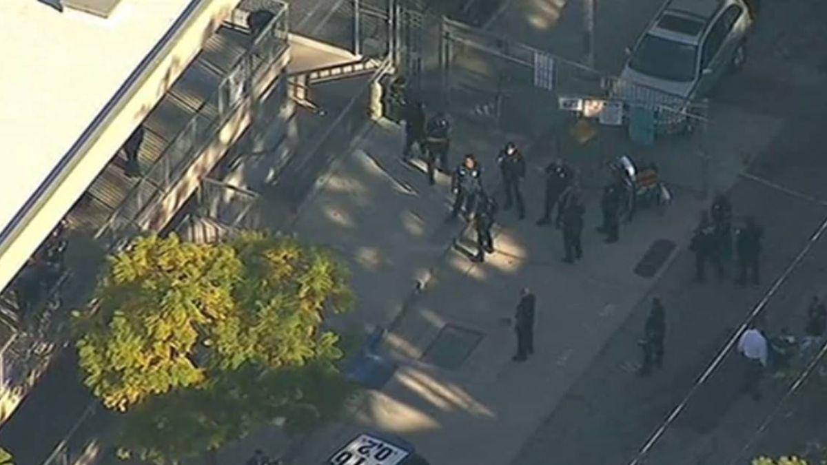 洛杉磯校園爆槍響!12歲少女教室突開槍 男學生頭部中彈