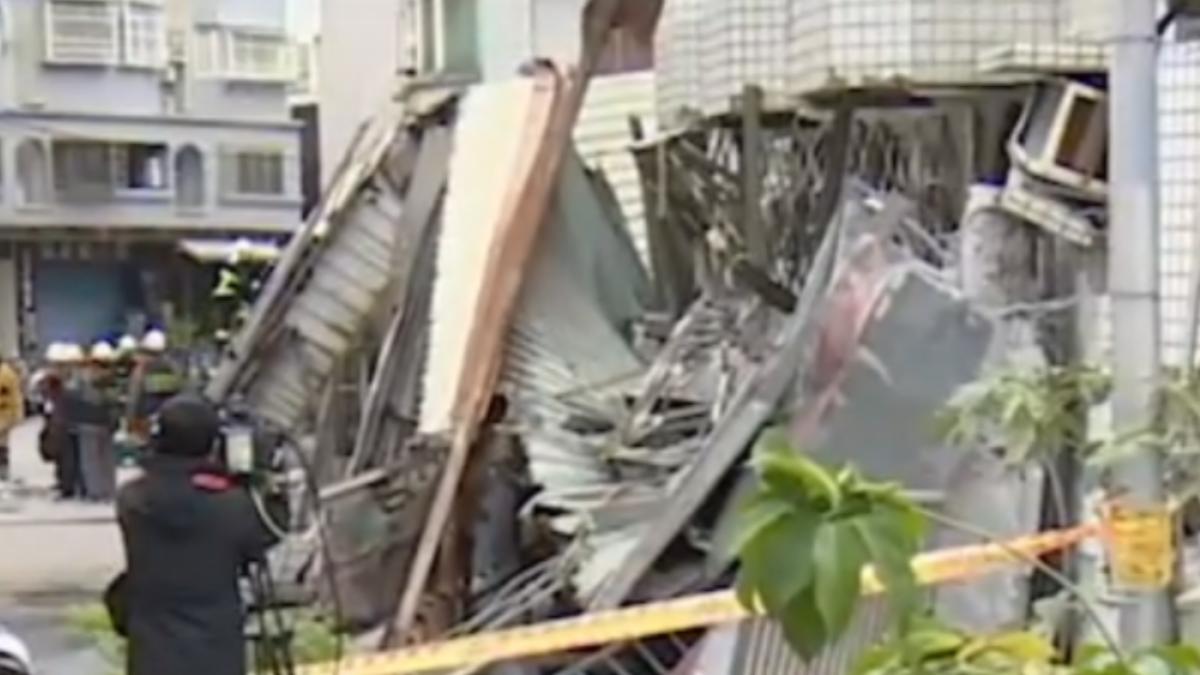 花蓮強震!國盛六街2高樓塌 駕駛險遭活埋