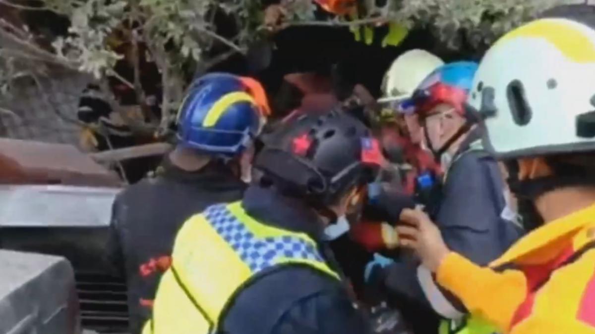 整個人跟著沙發往下滑!雲翠韓婦受困9小時獲救
