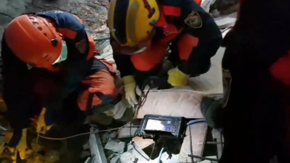 破牆鑽孔「光纖」探測 尋生命徵象持續搜救