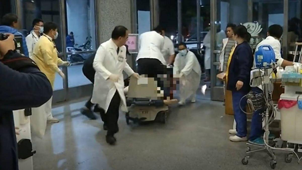震後83秒急診片段曝光!醫生跪病床CPR與死神搶命