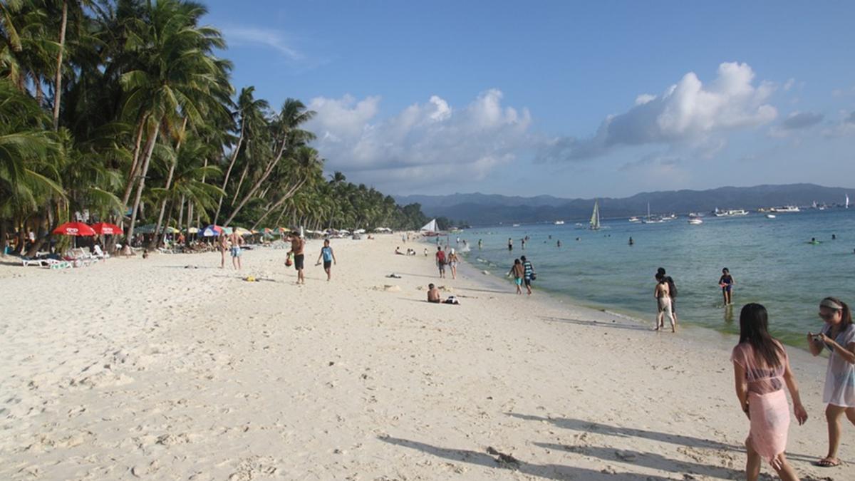 美麗沙灘全變調!長灘島變化糞池 杜特蒂怒:不改善就封島