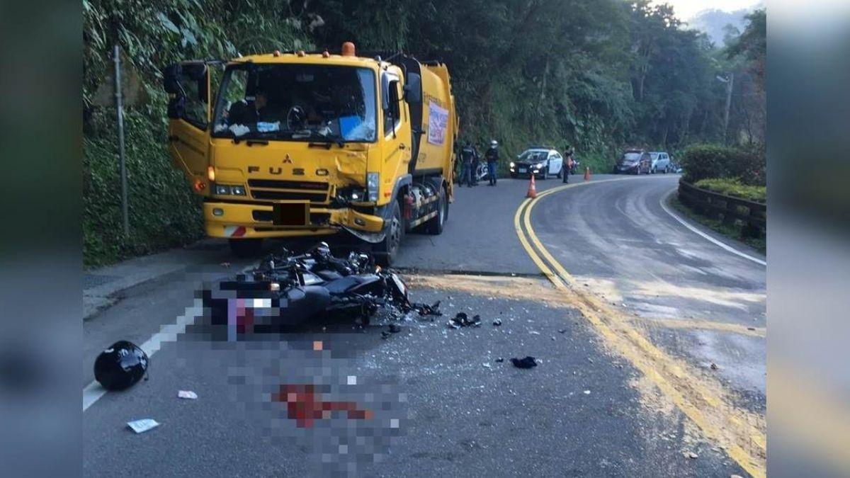 跨越對向超車!騎士狠撞清潔車 車頭碎裂喪命
