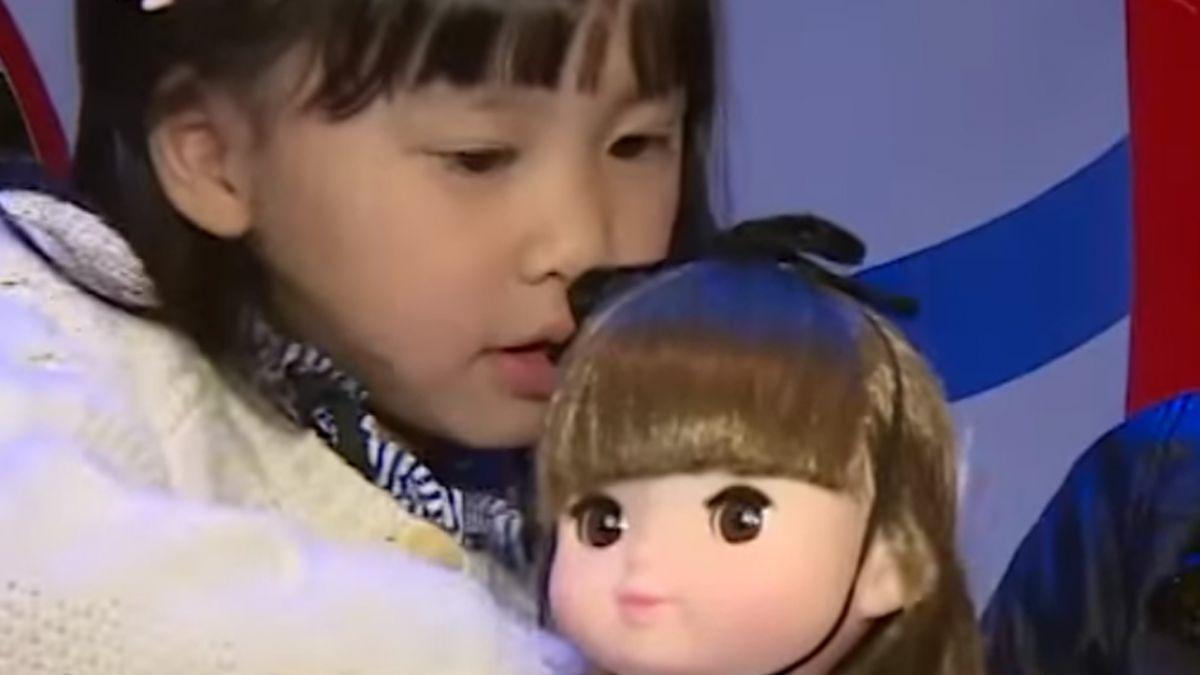 娃娃結合卡通造型 遊戲中學習照顧裝扮