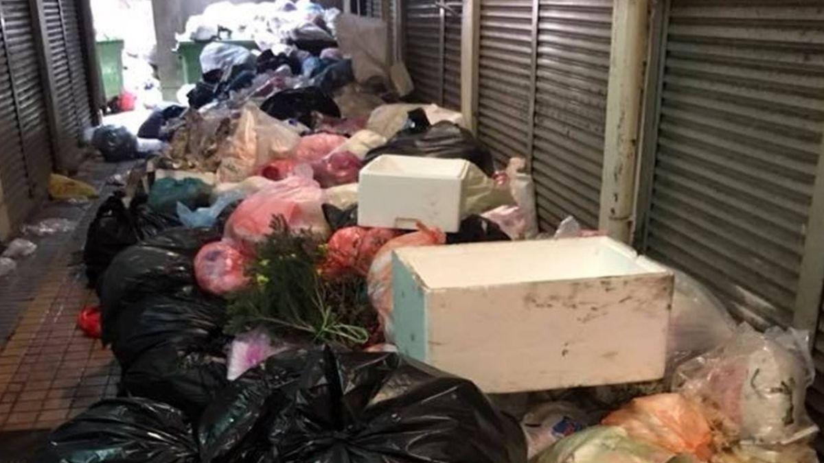 巷弄被垃圾塞爆苦到清潔隊…環保局加班清運