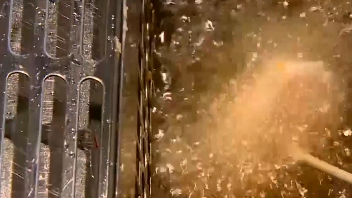 炸物吃到飽! 自己沾醬裹麵粉 客排長龍