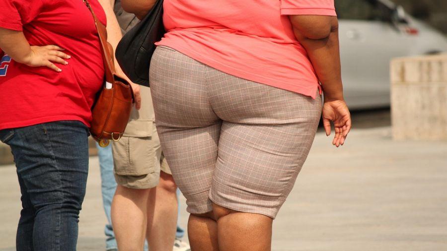 爽擁47kg小隻馬…7年狂吃暴肥變74kg 男友絕望:不敢拍婚紗