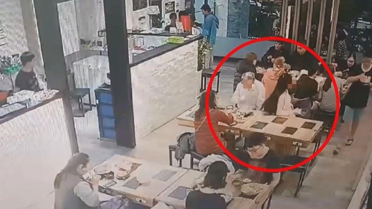 【影片】女子頭髮太長 鄰桌男被甩到!暴怒潑熱火鍋湯洩憤