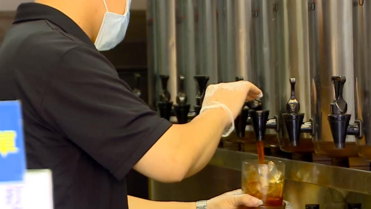 搶冰飲商機超商聯手英國皇家茶品推調茶