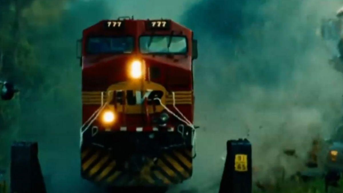 驚魂!電影成真 印度列車倒退嚕煞不住
