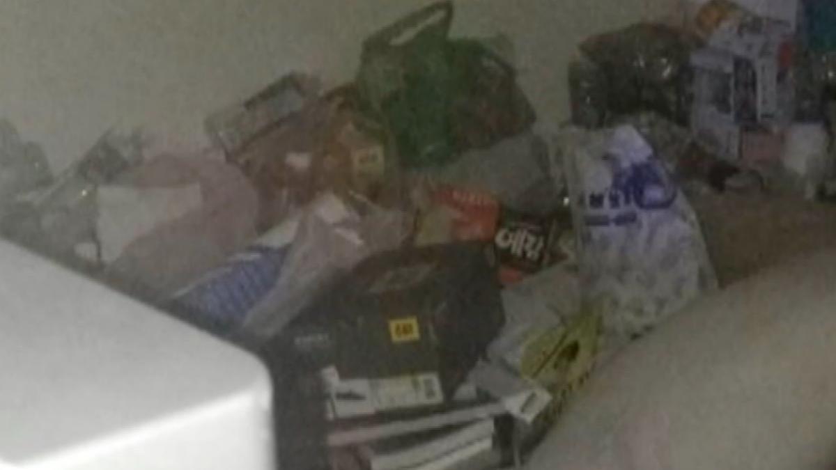 房東PO文控正妹租霸 房間堆滿垃圾如廢墟