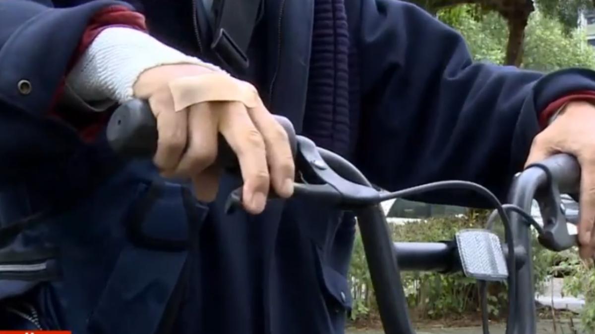 騎oBike輪胎突然鎖死 男子摔到肋骨骨折