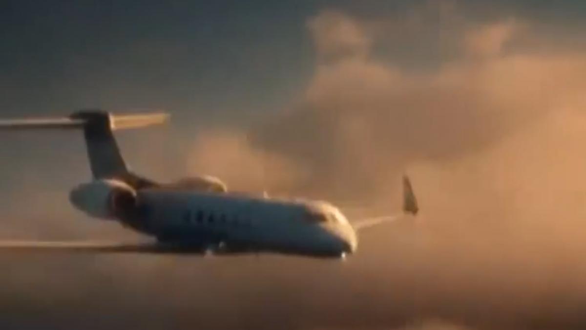 飛機窗破「爆炸性失壓」 巨大吸力嚴重恐致死