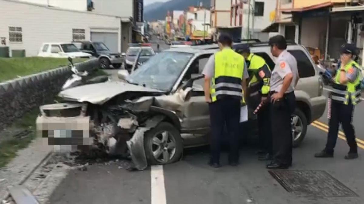 太麻里2車對撞再衝地標圍牆 5人輕傷送醫