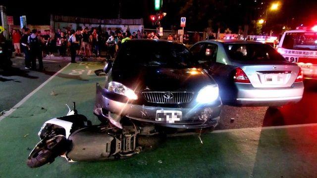 刑事局警官酒駕!闖紅燈連撞7車6人送醫 路人驚:他沒煞車