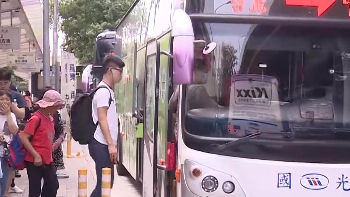 周五14輛遊覽車闖入 蘇花改周一開放大客車