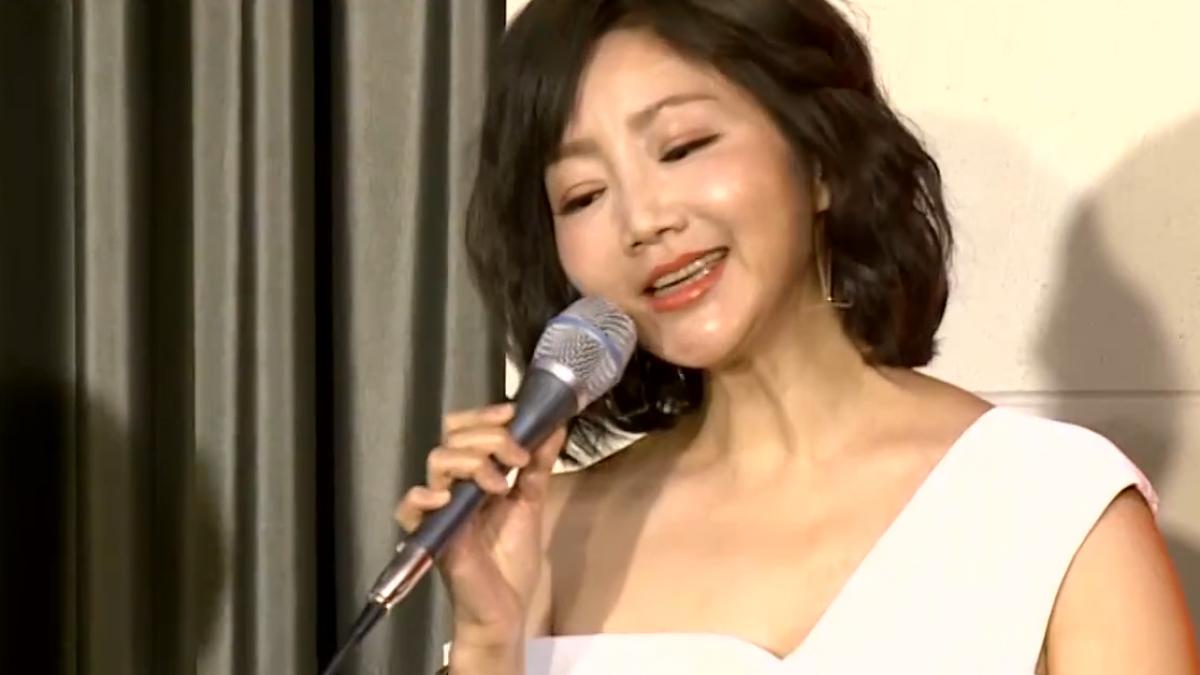 小鄧麗君 為夫洪榮宏站台獻唱