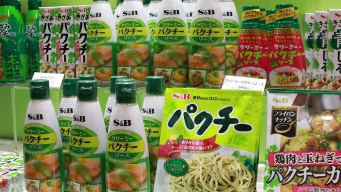 綠油油一片!超狂香菜食品「TOP10」 挑戰不吃者的極限