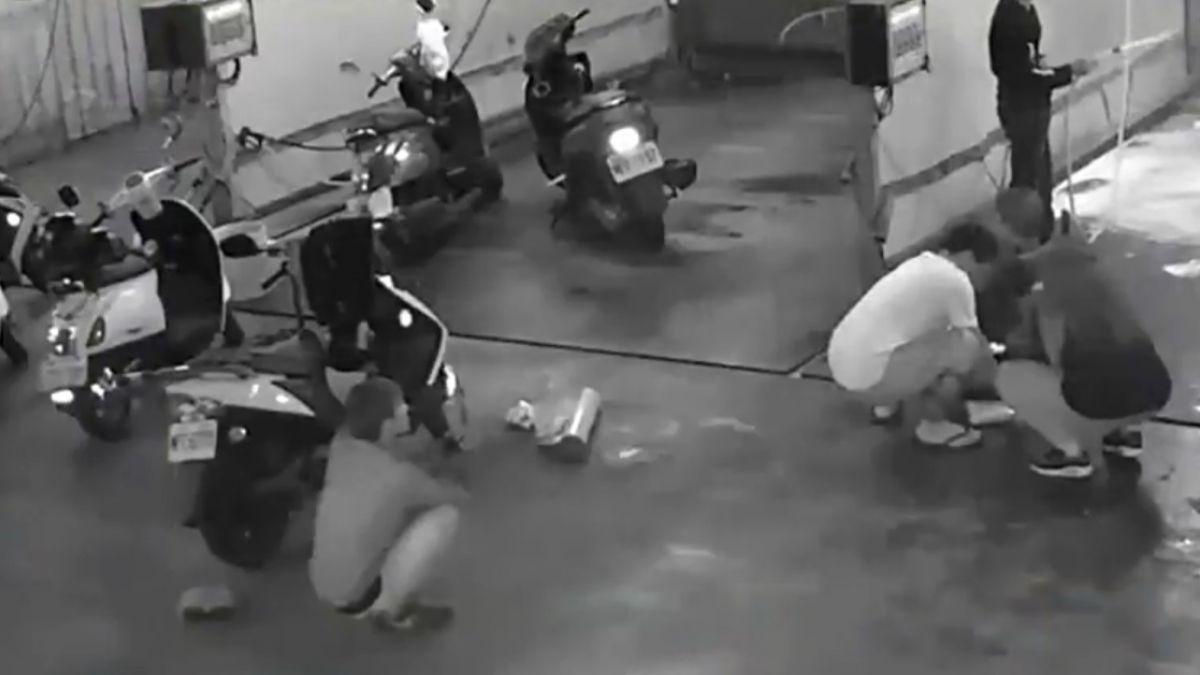 洗車場成「慶生樂園」!丟雞蛋、砸派惡搞 業者收殘局氣炸