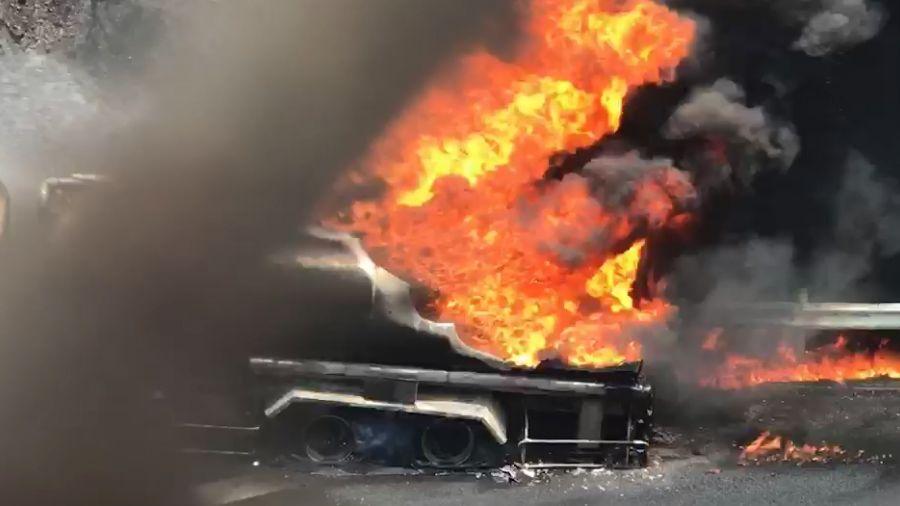 圖多/國道三號油罐車起火爆炸!雙向封閉請改道