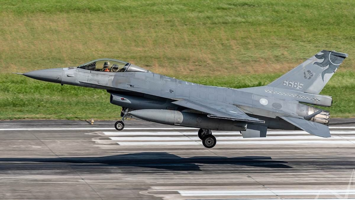 漢光演習一架F-16失聯中 空軍全力搜索