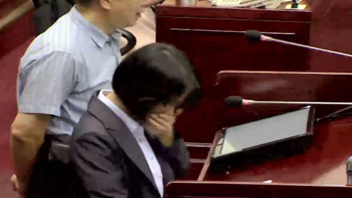 總統力挺 藍營議員再開轟 吳音寧險淚灑議場
