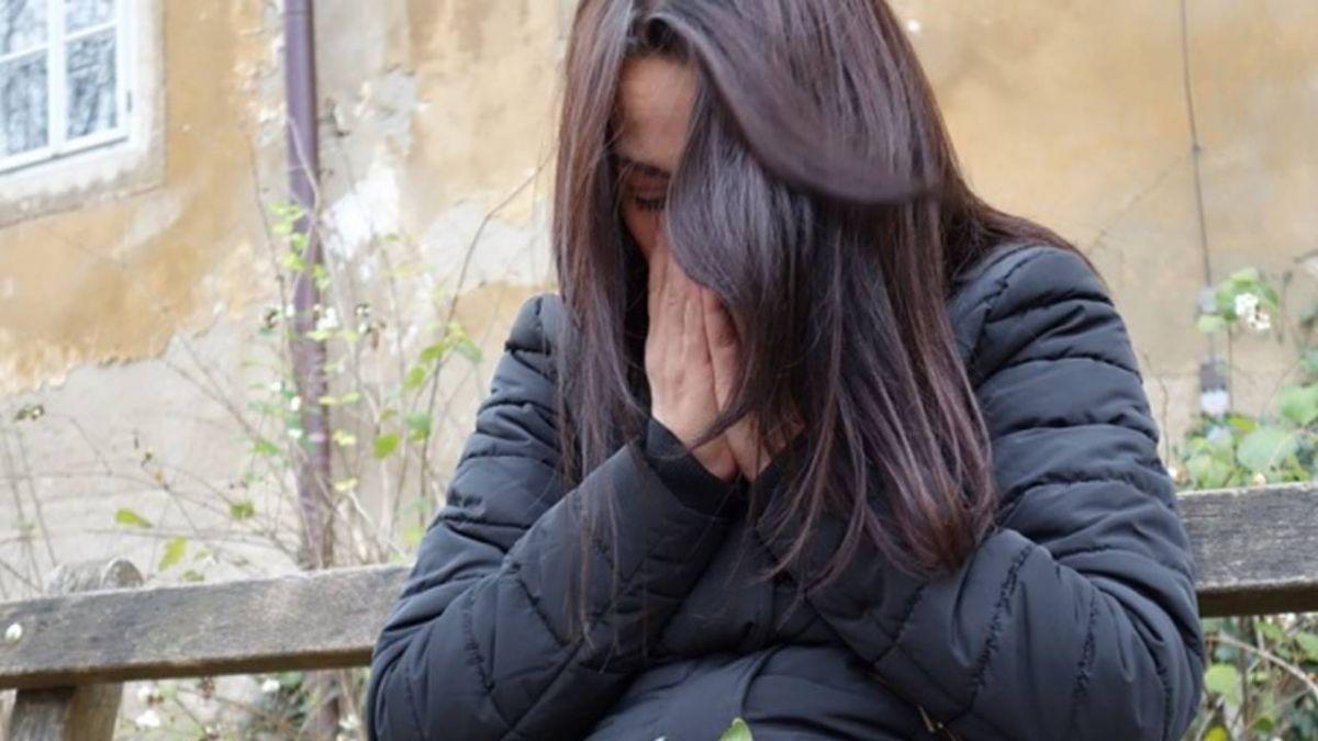 女兒被管24年爆炸!心碎母下跪痛哭「不該這麼愛妳」
