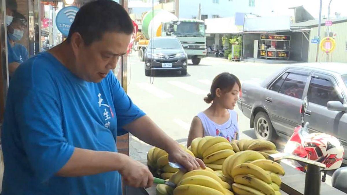 買香腸送香蕉!香腸店老闆救蕉農推奇招