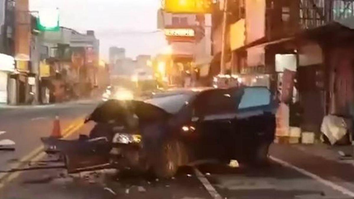 酒駕過彎道飄移!衝撞店家大甩尾 車頭全毀