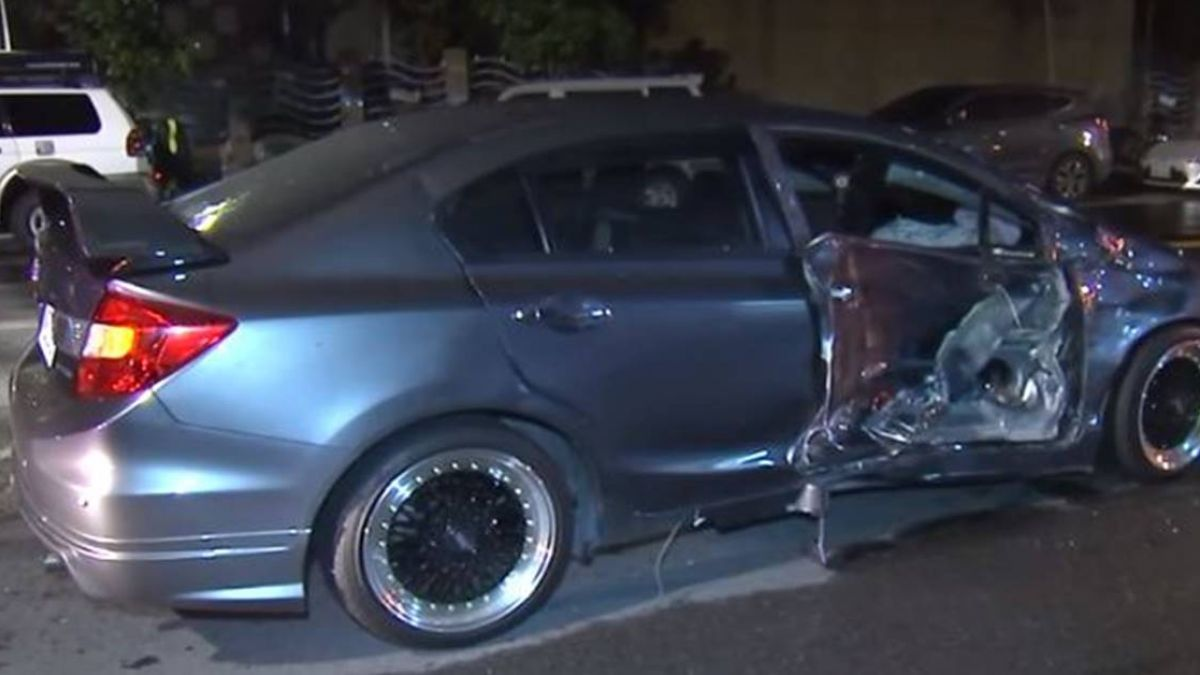 疑違規左轉害重機撞摔 騎士慘遭後車輾斃