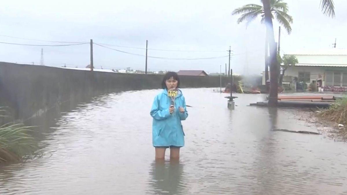 佳冬民宅整夜泡水 逢漲潮東港海產街一度也淹