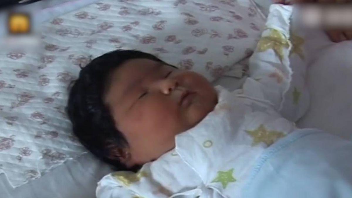 進擊的巨嬰!打破頭胎紀錄 孕婦產下「兩個寶寶重」女嬰
