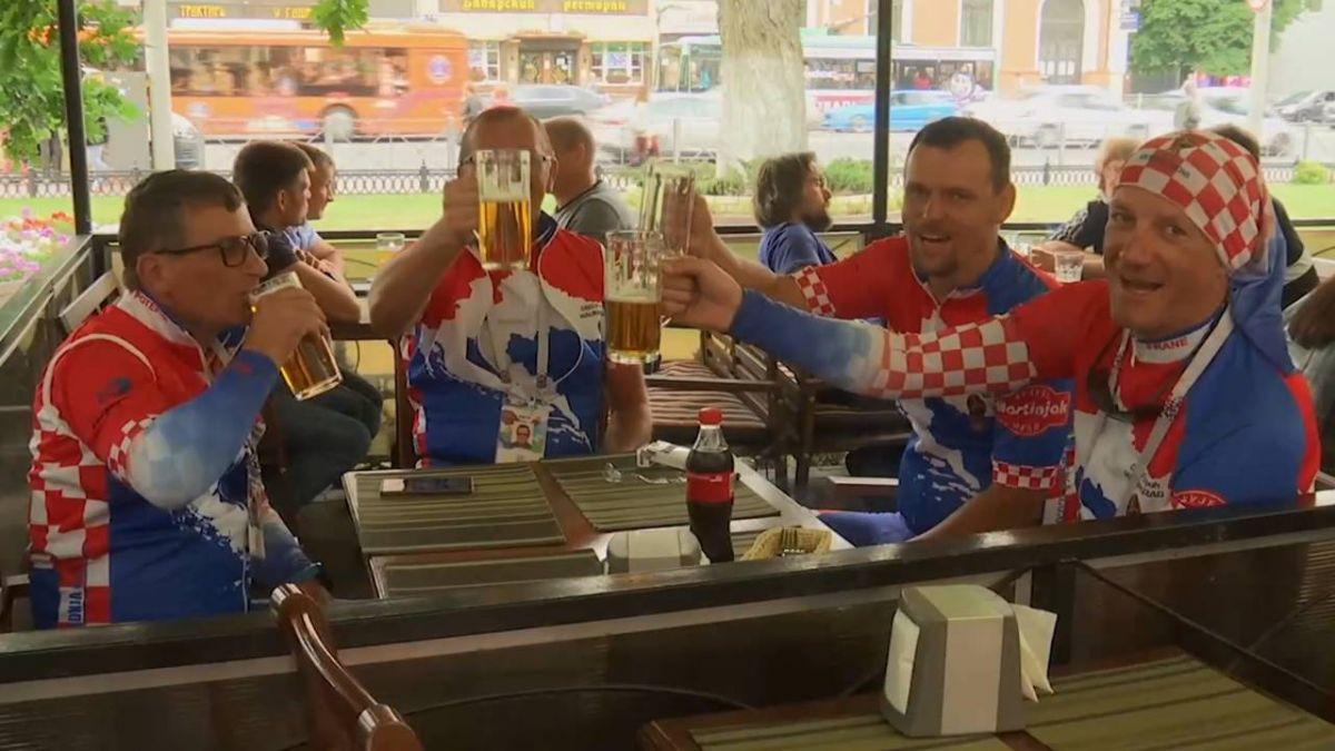 力挺克羅埃西亞 球迷騎自行車15天到莫斯科
