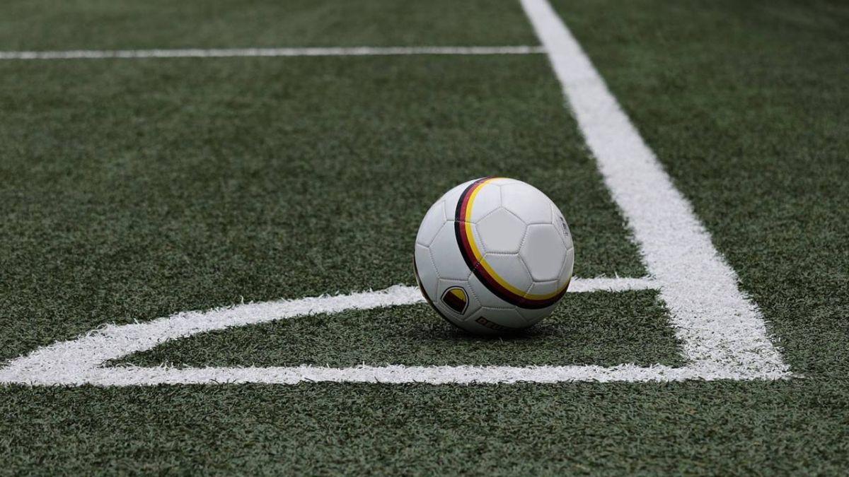 世界盃巴西門將踩氣球洩憤 網友P圖暴紅
