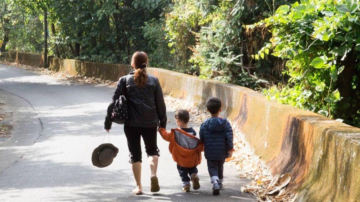 全職媽媽帶孩公園喝咖啡  竟遭韓人諷「媽蟲」
