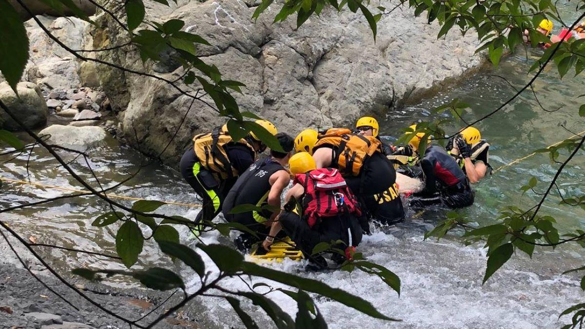 7男4女新北雙溪口戲水!18歲高中生驚傳溺水無生命跡象
