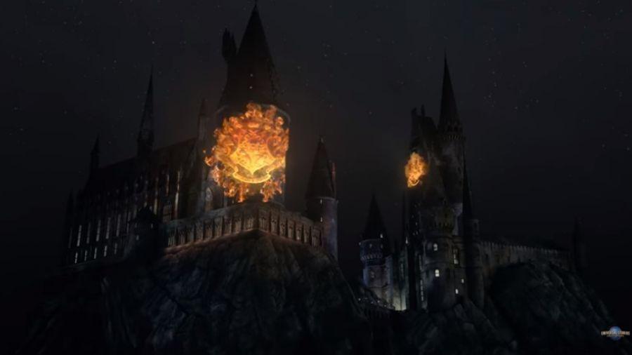 霍格華茲城堡燈光秀  閃耀好萊塢環球影城夜空