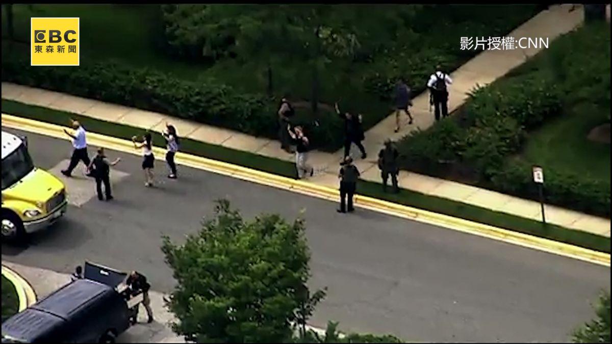 槍聲又起?男子持霰彈槍攻擊報社 至少五人死亡 疑報復行動