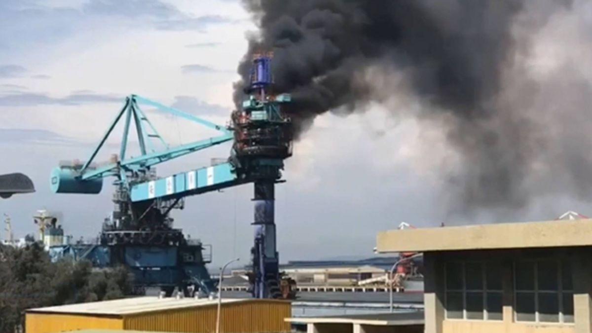台電廠卸煤機起火燃燒 傳6人一度受困!